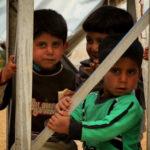 In Siria i bambini giocano sotto terra