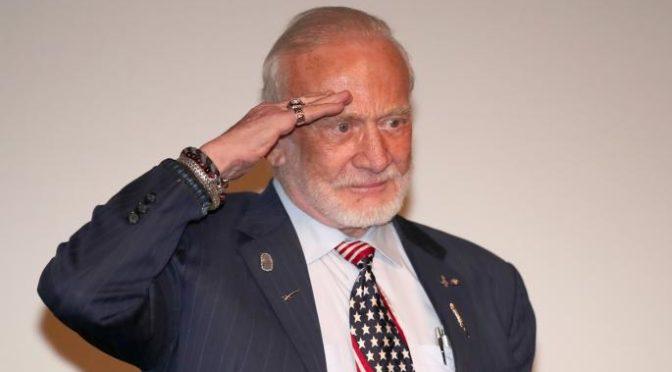 Quando Buzz Aldrin mi ha detto: «Dopo la Luna non sono stato più io»