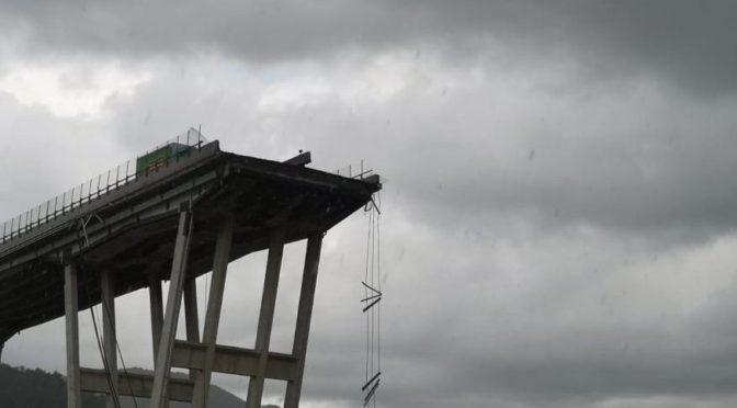 Un crollo che non riguarda solo il viadotto di Genova